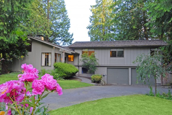 Kings Place home for sale on Bainbridge Island