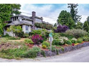 Hawley Way on Bainbridge Island.  Bainbridge Island Real Estate.