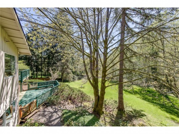 651 Eagle Cliff Rd NE listed by Jen Pells Windermere Bainbridge
