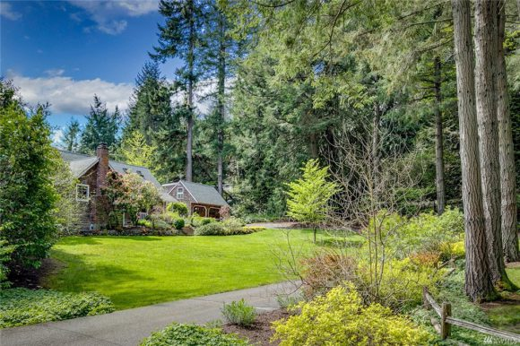 Island Ave on Bainbridge Island sold in 2019